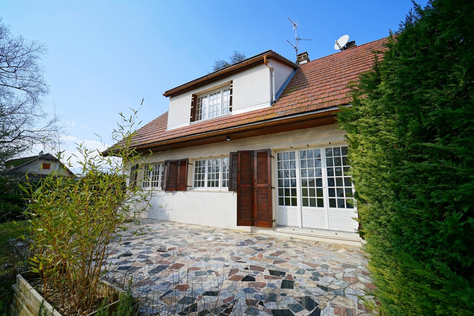 Vente segny villa individuelle 5 ch sur sous sol for Villa individuelle