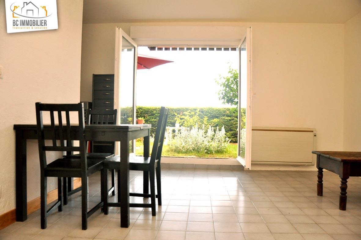 Location gex studio meubl avec terrasse et jardin for Location garage gex
